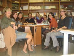 aula-de-conversa-de-la-biblioteca-enric-valor-iec